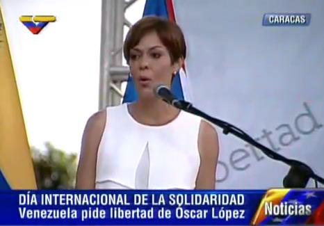 senadora María de Lourdes Santiago Negrón, del Partido Independentista Puertorriqueño.