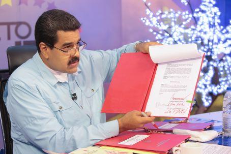 Presidente Maduro activó cuatro leyes vía Habilitante desde su programa de los martes por VTV