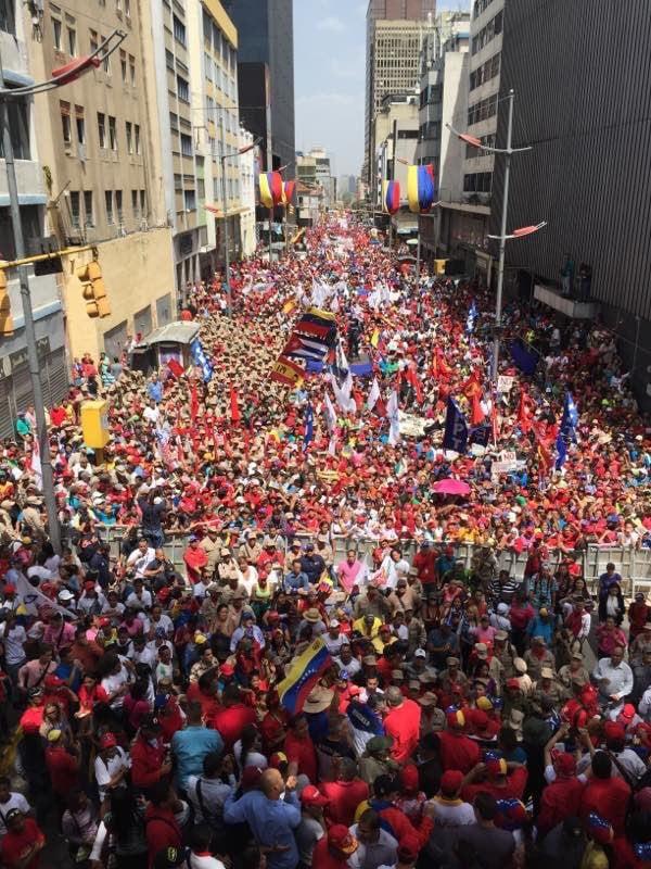 llamaron a la paz y pidieron respeto a la institucionalidad y a los Poderes Públicos.