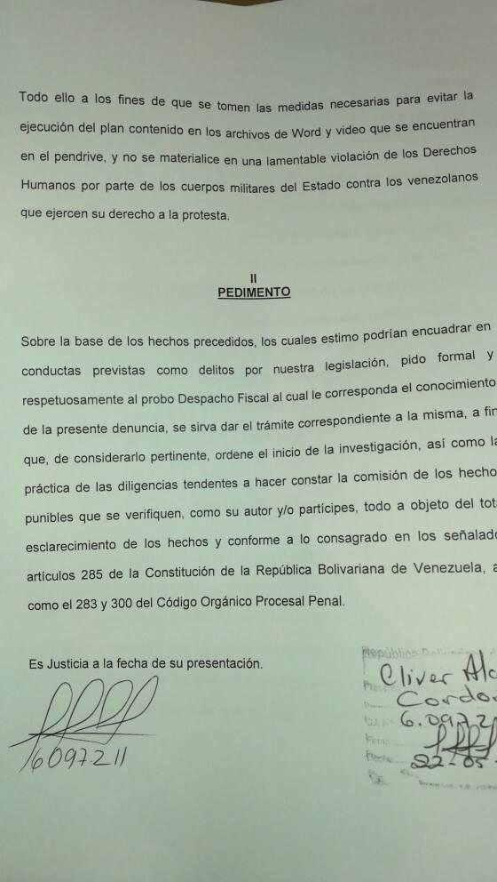 Denuncia de Cliver Alcalá Cordones ante la Fiscalía General.