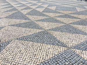 Calcada portuguesa triangulos