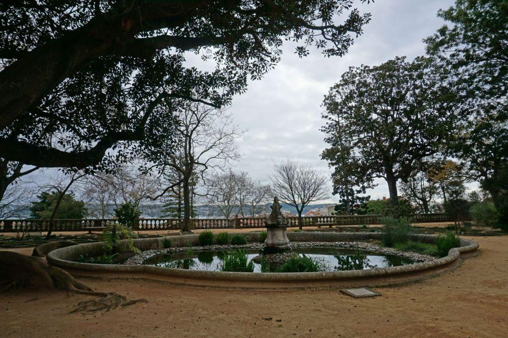 Small fountain at the Jardim Botânico da Ajuda