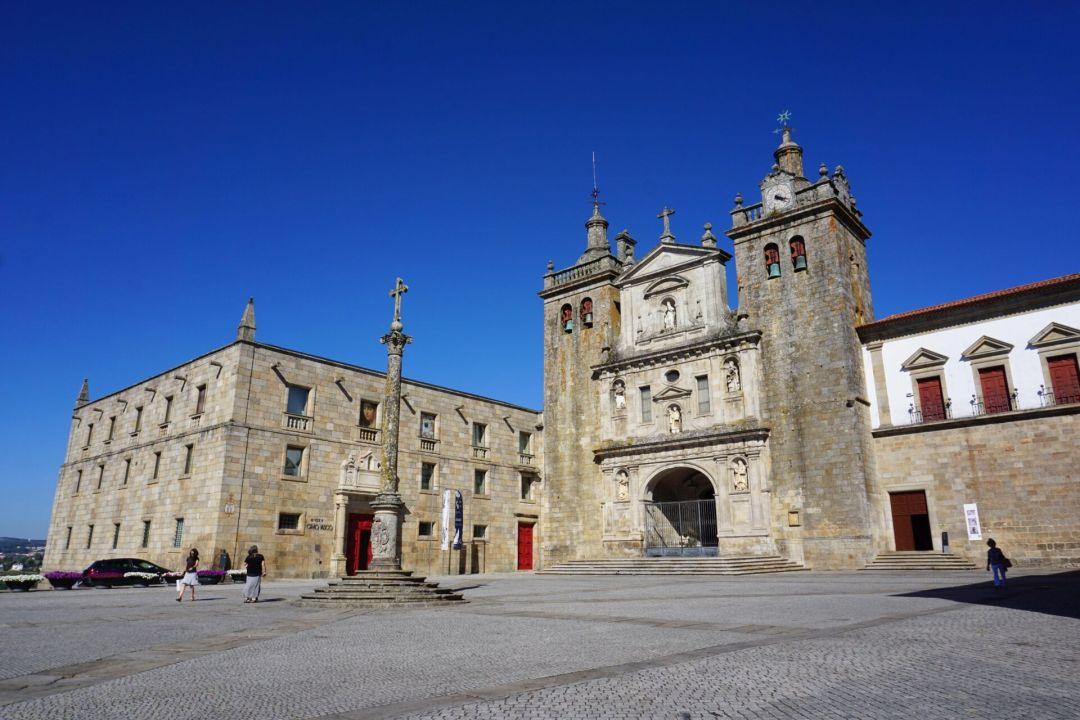 Viseu Cathedral exterior