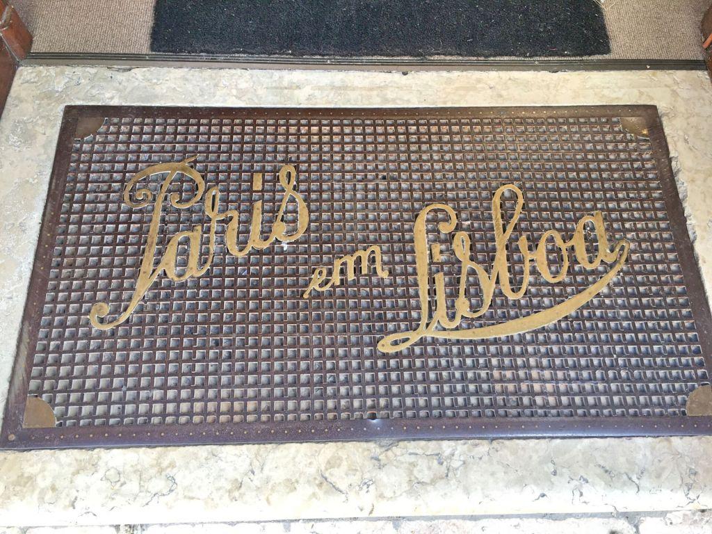 Paris em Lisboa welcome mat