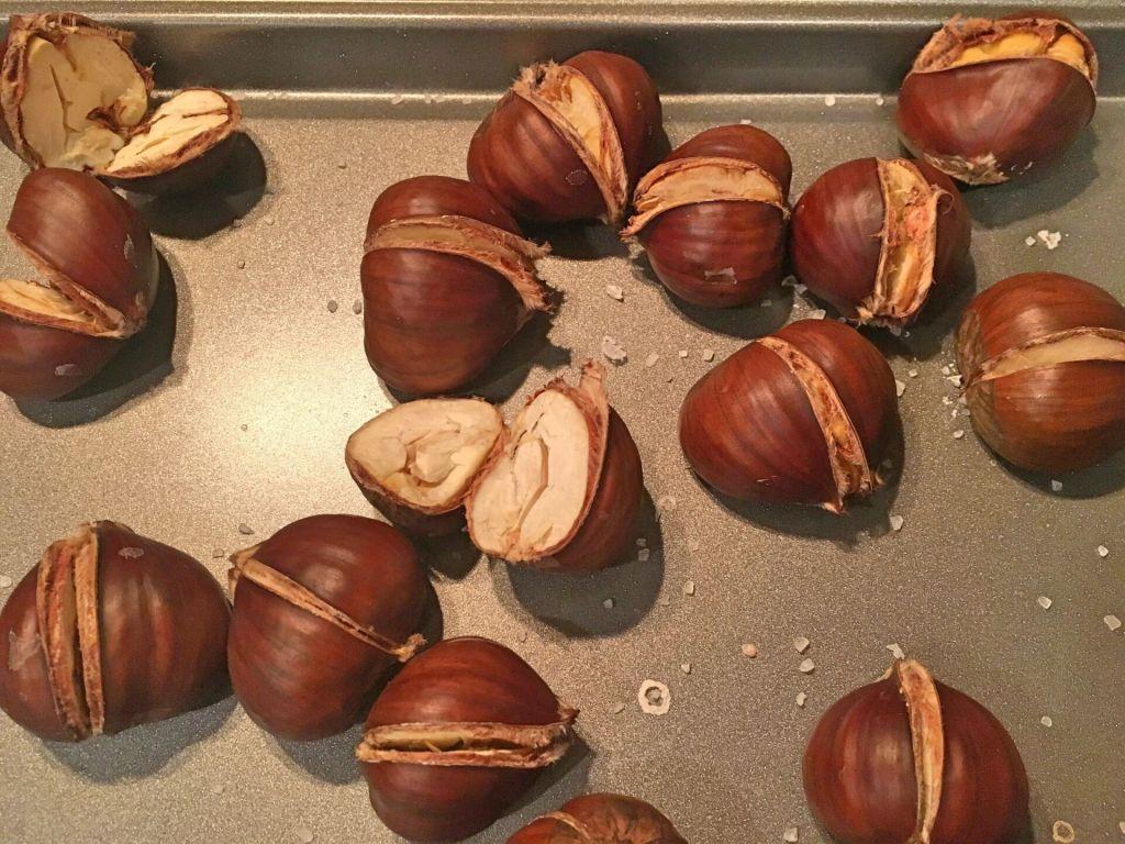 Roasted chestnuts / castanhas