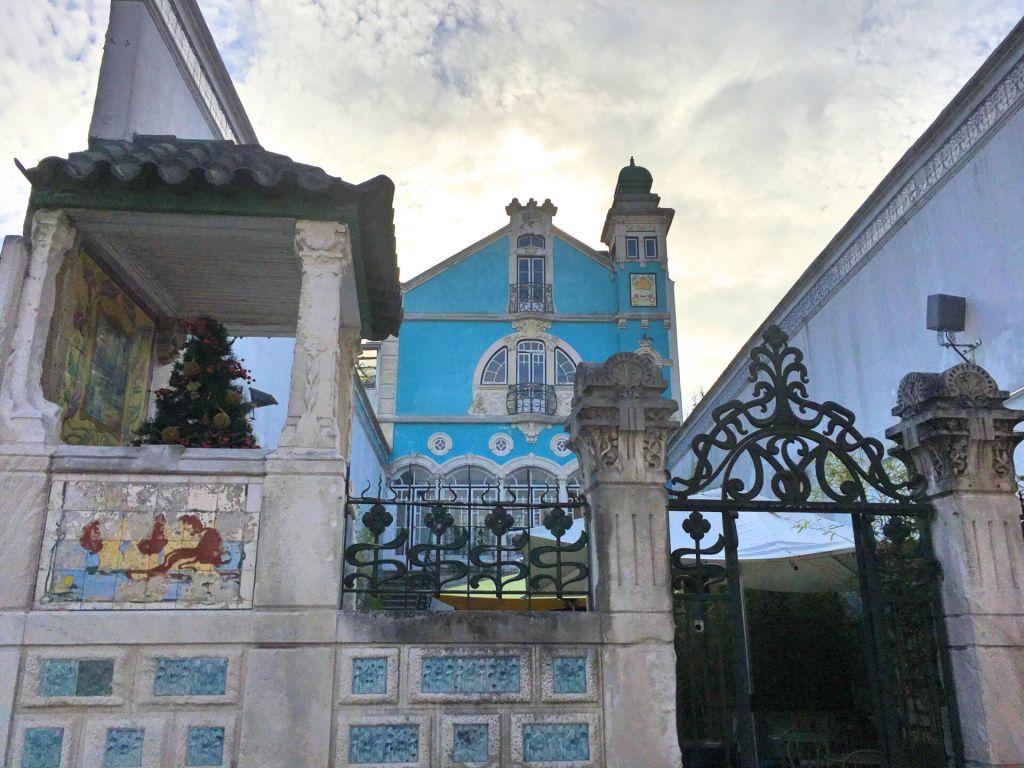 Art nouveau museum back