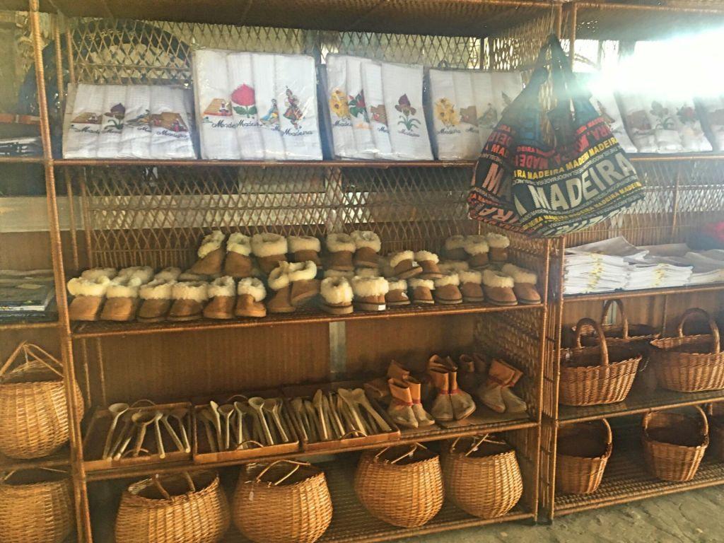 Souvenirs Cafe Relogio