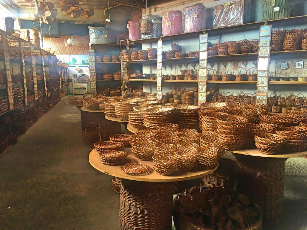 Baskets Cafe Relogio
