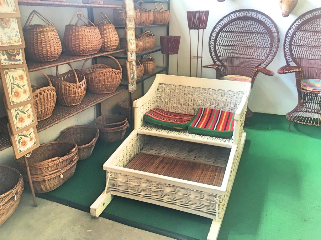 Baskets and sled Cafe Relogio