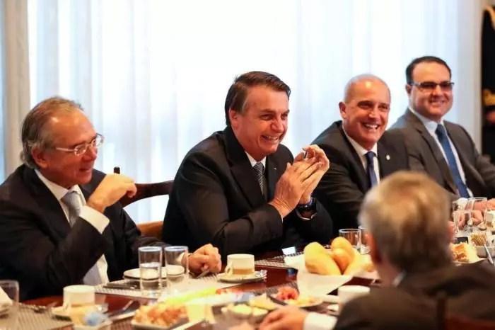 """Bolsonaro aborta o """"Renda Brasil"""" porque o seu governo é uma bandalha"""