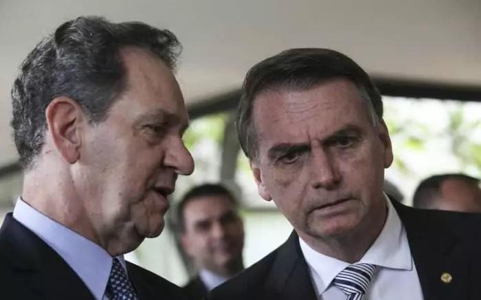 Agora o clã Bolsonaro tem um judiciário para chamar de seu