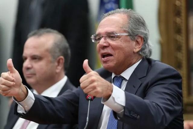 DESESPERO – Guedes chuta Friedman e abraça Lula