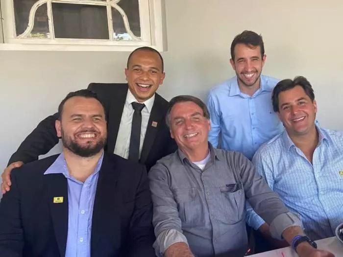 Deputado do PSL, Douglas Garcia, e mais 33 estão envolvidos em esquema de 'linchamento virtual'