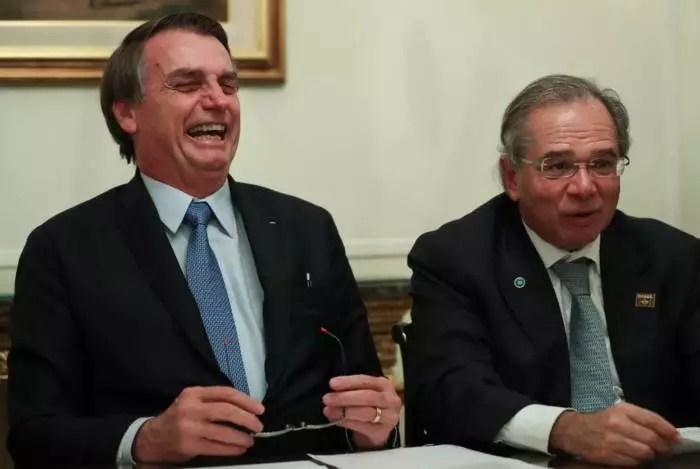 Para pagar o Renda Cidadã, Bolsonaro quer extinguir desconto de 20% em declaração simplificada do Imposto se Renda.