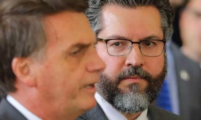 Derrota no Senado abre crise do Itamaraty e Ernesto Araújo pode cair