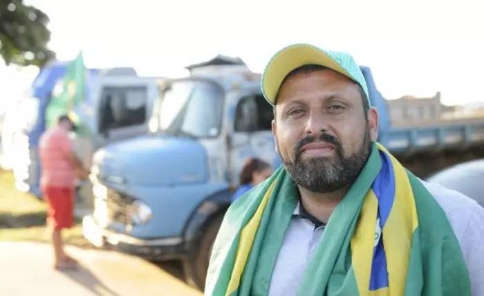 Caminhoneiros articulam paralisação e chamam de Bolsonaro de traidor.