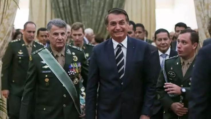 Intimidação do STF pela cúpula militar originou governo ilegítimo