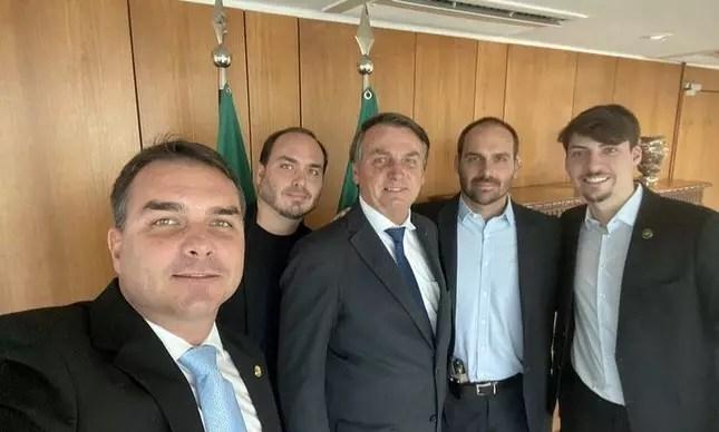 Os Bolsonaro e o fantasma da cadeia