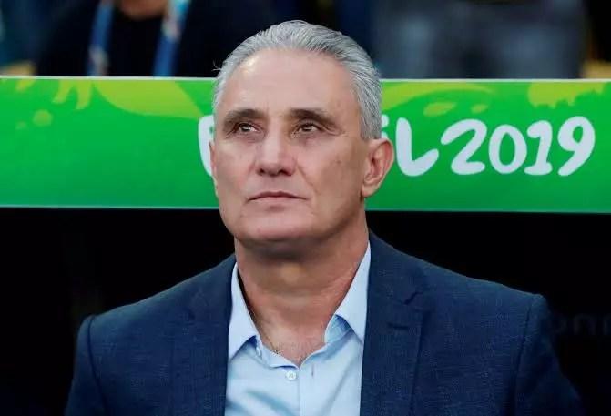 Interferência de Bolsonaro na CBF pode tirar o Brasil da copa, é o que diz estatuto da FIFA
