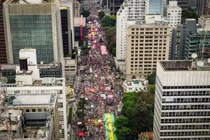 Balanço das manifestações de hoje (02) em comparação com 7 de setembro.