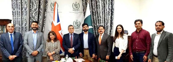 LONDON: August 25 - High Commissioner of Pakistan to the UK, Muhammad Nafees Zakaria in a group photo with the participants of PTEN Roundtable at the Pakistan High Commission. APP