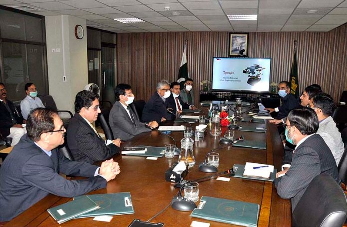 ISLAMABAD: September 30 - Federal Minister for IT and Telecommunication Syed Amun ul Haque chairing a briefing along with Advisor to PM on Health Dr. Faisal Sultan. APP photo by Saleem Rana