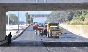 ISLAMABAD: September 19 – A view of construction work of underpass on Faisal Avenue during development work in the city. APP photo by Saeed-ul-Mulk