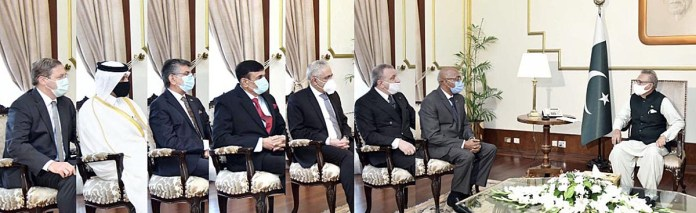 Envoys of various countries present credentials to president