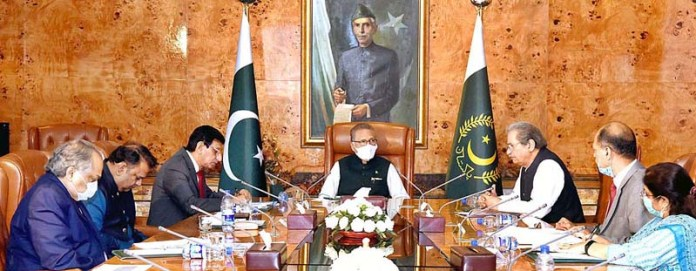 ISLAMABAD: September 02 - President Dr Arif Alvi chairing a meeting on Technology in Education and Vocational Training at Aiwan-e-Sadr. APP