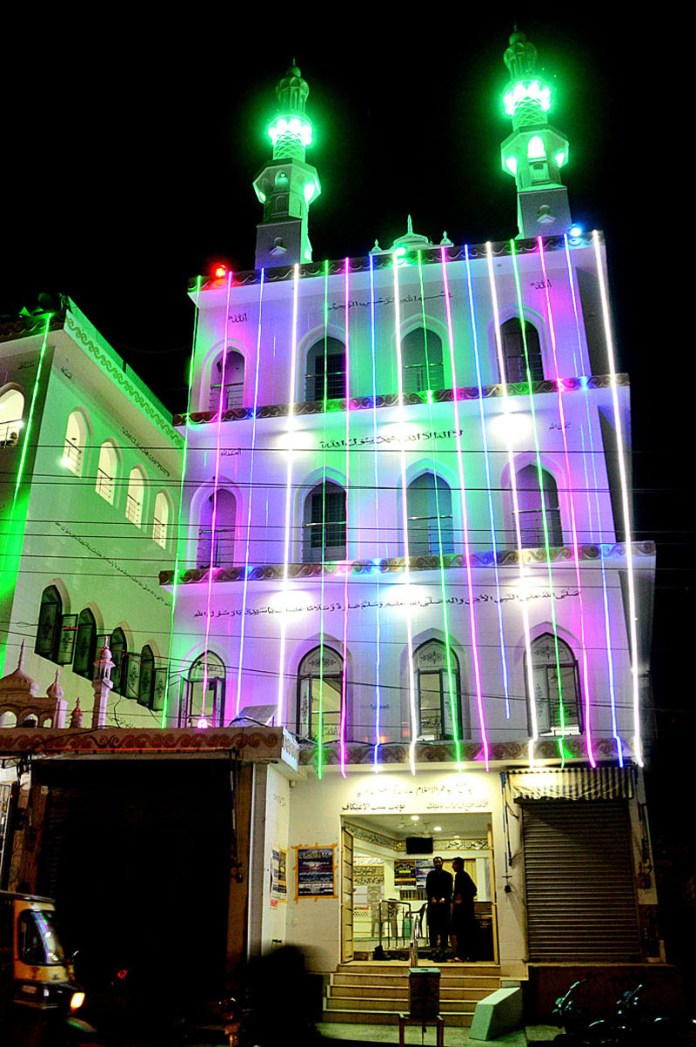 HYDERABAD: October 26 – An illuminated view of Jama Masjid decorated with colourful lights in connection with Eid-e-Milad-un-Nabi (SAWW). APP photo by Farhan Khan