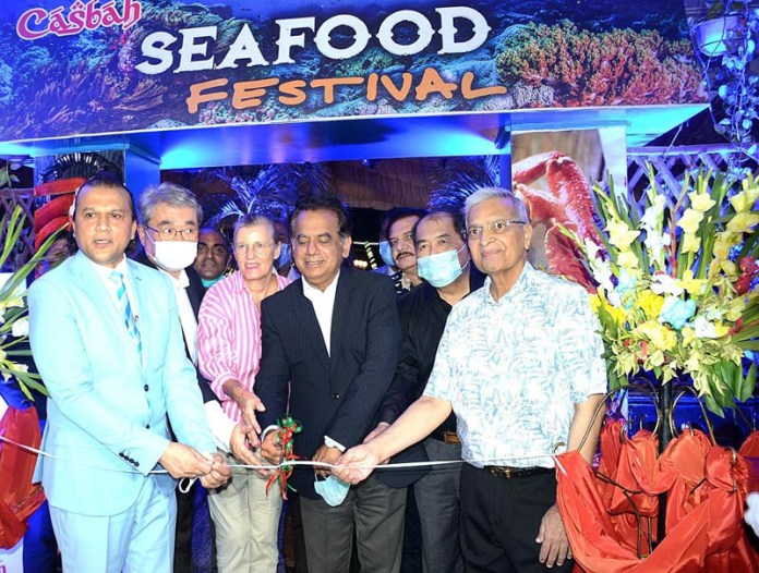 KARACHI: October 15 - Administrator Karachi Mr. Iftikhar Ali Shallwani, inaugurating Sea Food Festival at Beach Luxury Hotel, GM of BLH, Azeem Qureshi, Honorary Trade Advisor of Thai Govt Arif Suleman, Dean of Diplomatic Corp and Consul General of Japan, Toshikazu Isomura, Consul General of Indonesia Totok Prianmoto along with Acting Consul General of Germany, also present on the occasion . APP photo by Syed Abbas Mehdi