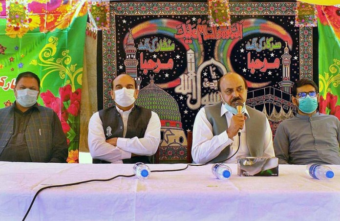 SIALKOT: October 30 – Punjab Minister for Special Education Ch. Muhammad Akhlaq speak to gathering on the occasion of Eidul Milad-un-Nabi (PBUH) at District Jail. APP Photo by Munir Butt
