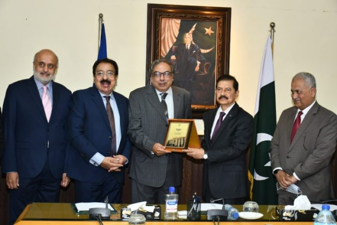 CSA alumni's office bearers visit FBR