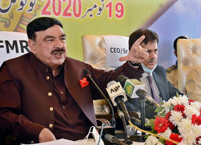 Federal Minister for Railways Sheikh Rashid Ahmed talking to media persons on the occasion of inauguration of Karachi Circular Railway