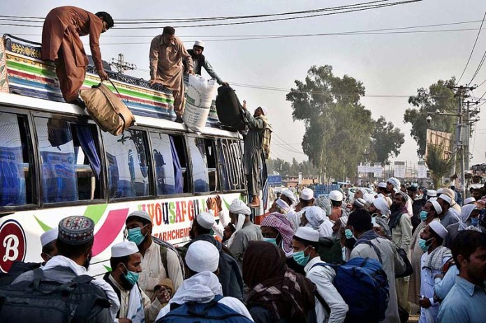 RAIWIND: November 05 - Different cities People arrive for the three day Annual Tablighi Ijtema Religious gathering in Raiwind on the outskirts of the Provincial Capital. APP photo by Mustafa Lashari