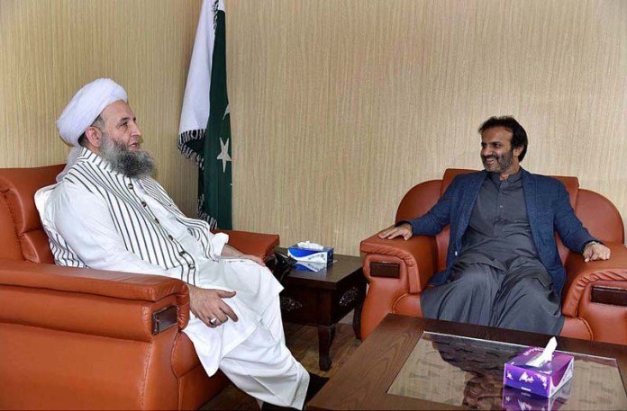 ISLAMABAD: November 04 - Managing Director Pakistan Bait-ul-Mal, Aon Abbas Buppi in meeting with Minister for Religious Affairs & Interfaith Harmony, Pir Noor-Ul-Haq Qadri. APP