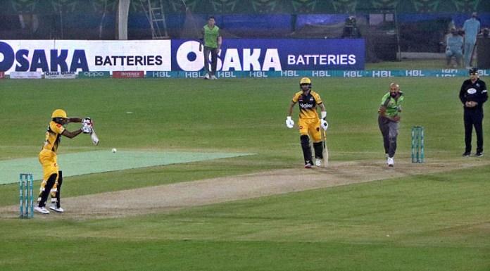 A view of cricket match between Peshawar Zalmi and Lahore Qalandars during Pakistan Super League (PSL) Twenty20 match played at the National Stadium
