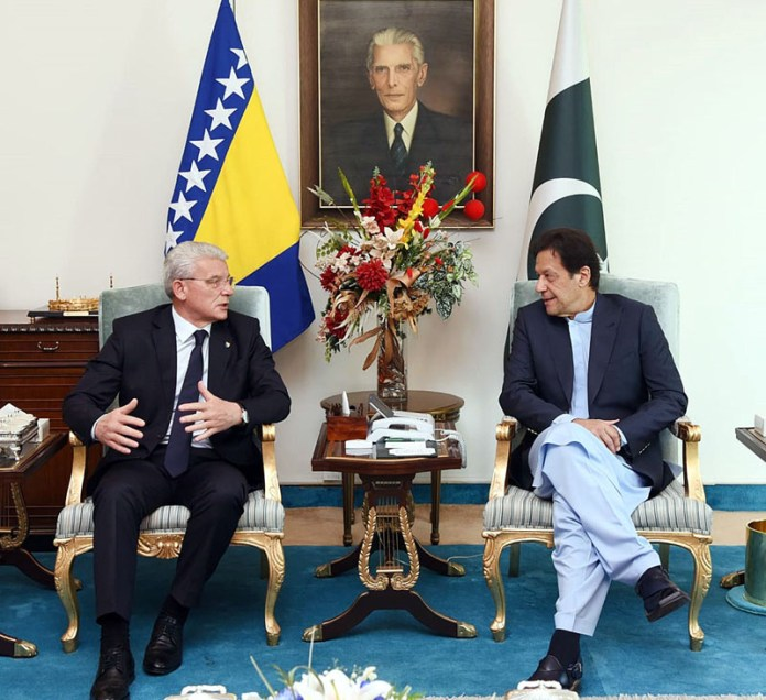 ISLAMABAD: November 04 - Prime Minister Imran Khan in a meeting with Šefik Džaferovic, Chairman of the Presidency of Bosnia & Herzegovina. APP