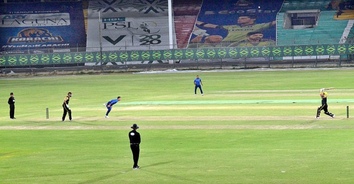 KARACHI: November 11 - A view of practice match playing between Peshawar Zalmi and Multan Sultans teams for Pakistan Super League (PSL 2020). APP Photo by Abbas Mehdi