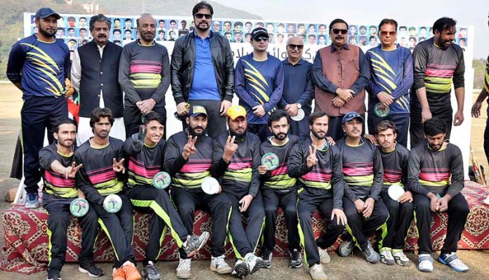 Chief Guest President Islamabad Chamber of Commerce, Sardar Yasir Ilyas Khan in a group photograph with special persons team during
