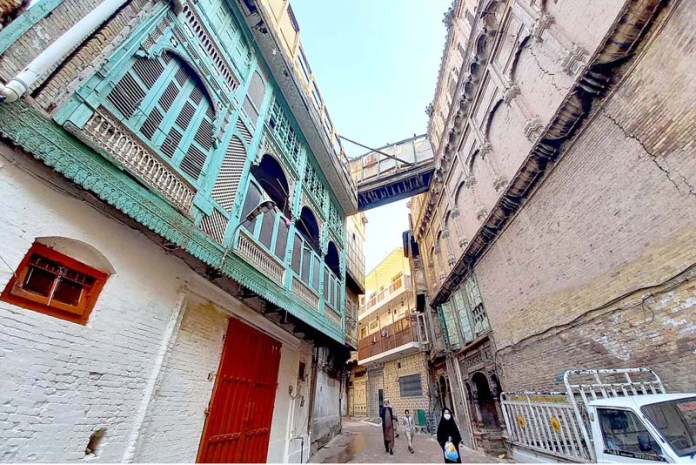– At the center of Peshawar's old walled city, on a small street called Mohalla Sethian, situated a veritable treasure trove: seven stately mansions - structural masterpieces of the 18th and 19th centuries - in a state of decay and disrepair. The Mohalla was once an enclave of almost three dozen Havelian belonging to the Sethi's - one of the most prominent merchant families of Peshawar. They migrated to Peshawar from Jhelum in the 1730s and settled within the walled city, then a thriving trading post