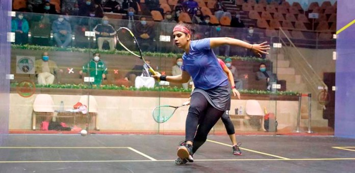 A view of final match of Pakistan International Squash Tournament for Women playing between Ms Madina Zafar and Faiza Zafar, organized by Pakistan Squash Federation (PSF) at Mushaf Squash Complex Ms Madina Zafar defeated her sister Faiza Zafar with a game score of 11-8,11-1, 2-11, 7-11, 11-9