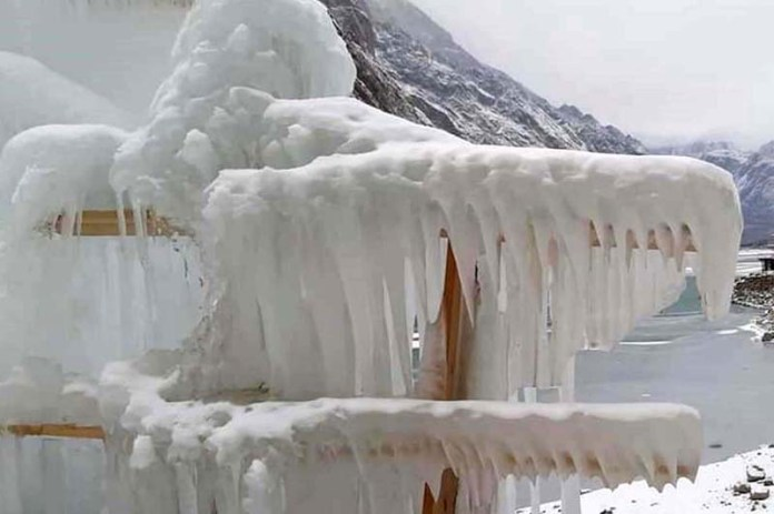 An attractive and eye catching view of freeze water due to temperature below zero degree near AttaAbad Lake
