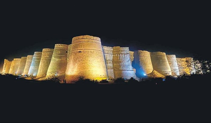 A beautiful view of Derawar Fort on the occasion of 16th Cholistan Desert Jeep Rally