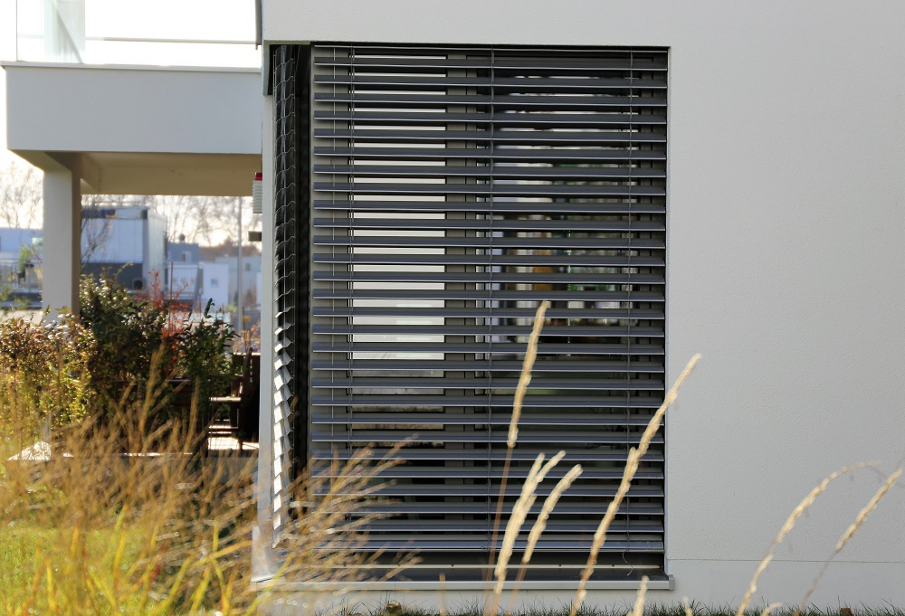 Why Go for Customised Outdoor Blinds?