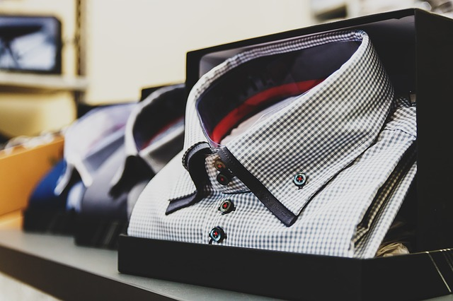 How To Choose The Right Shirt For A Gift?