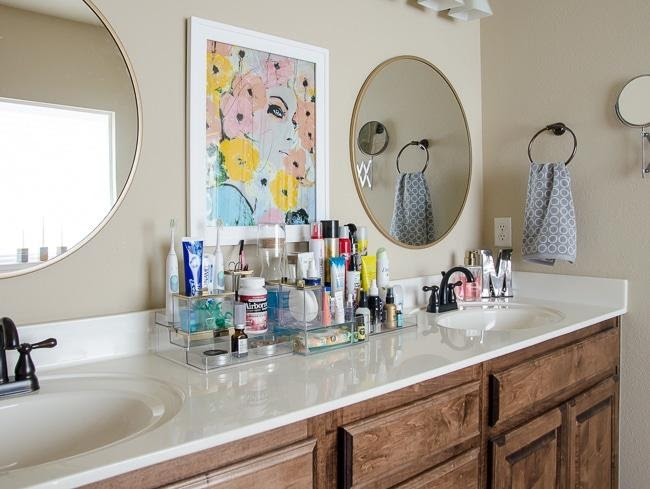 Bathroom Shelf Ideas to Maintain a Clutter Free Space