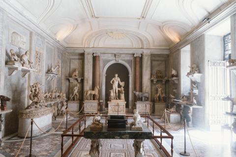 how to virtual tour Buckingham Palace