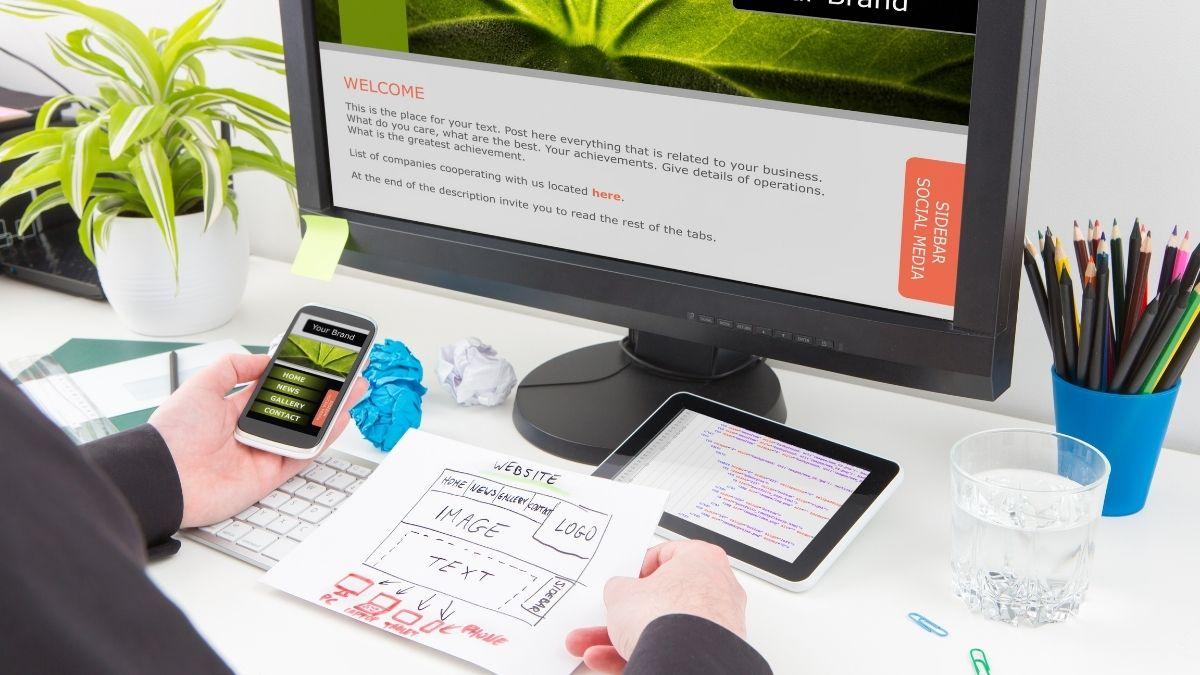 7 Compelling Advantages Of Hiring Web Designer For Your Website