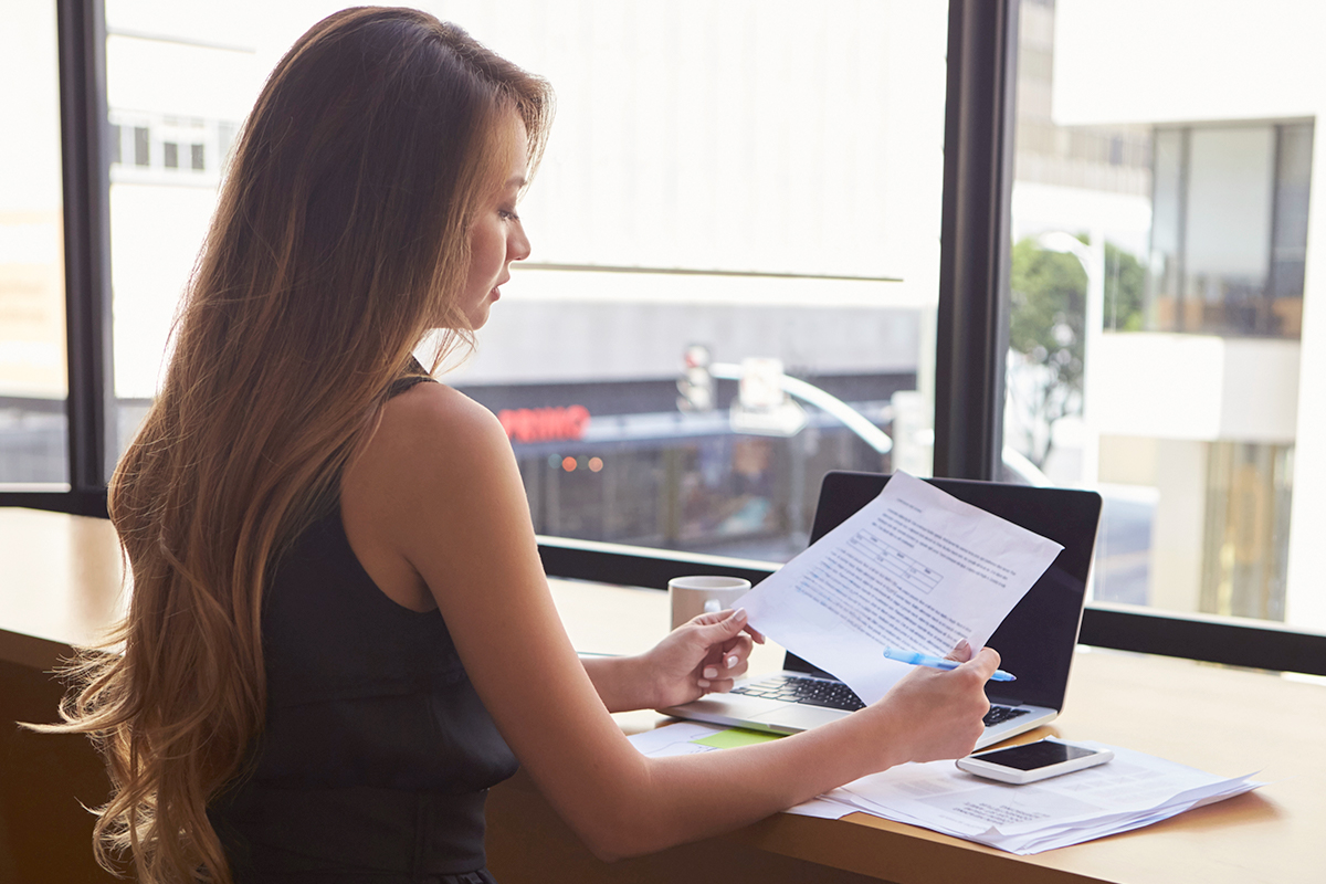 How Does a Lawyer Prepare to Take a Deposition?
